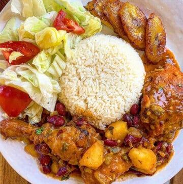 pollo gusiado chicken stew